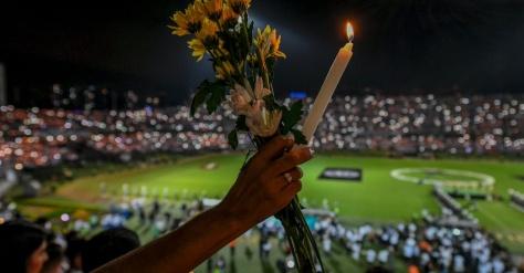 Colômbia presta homenagem aos 71 mortos em acidente aéreo